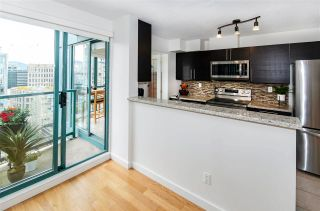 """Photo 5: 3102 939 HOMER Street in Vancouver: Yaletown Condo for sale in """"THE PINNACLE"""" (Vancouver West)  : MLS®# R2592462"""