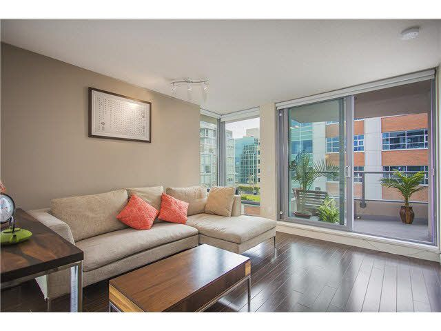 """Photo 2: Photos: 702 587 W 7TH Avenue in Vancouver: Fairview VW Condo for sale in """"AFFINITI"""" (Vancouver West)  : MLS®# V1118328"""