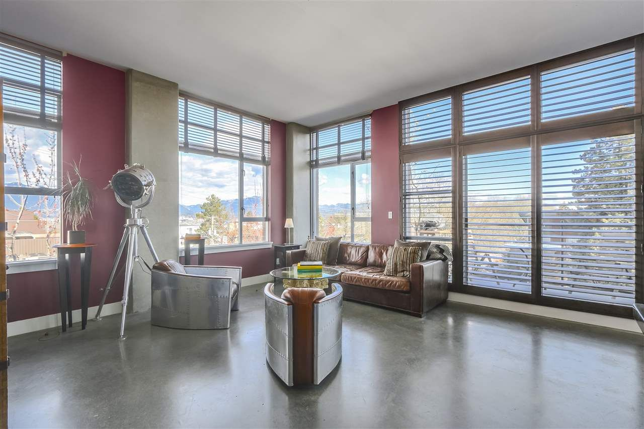 """Main Photo: 302 2635 PRINCE EDWARD Street in Vancouver: Mount Pleasant VE Condo for sale in """"SOMA LOFTS"""" (Vancouver East)  : MLS®# R2249060"""