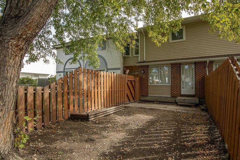 FEATURED LISTING: 148 Westgrove Way Winnipeg