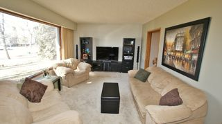 Photo 2: 15 Pontiac Bay in Winnipeg: Residential for sale : MLS®# 1204649