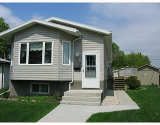 Photo 1: 1949 WILLIAM Avenue West in WINNIPEG: Brooklands / Weston Residential for sale (West Winnipeg)  : MLS®# 2810013