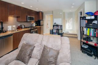 """Photo 8: 14 1863 WESBROOK Mall in Vancouver: University VW Townhouse for sale in """"Esse"""" (Vancouver West)  : MLS®# R2354042"""