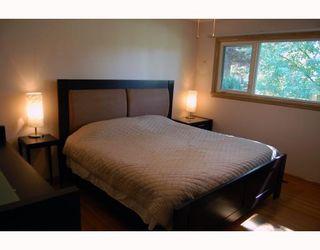 Photo 3: 809 OAKENWALD Avenue in WINNIPEG: Fort Garry / Whyte Ridge / St Norbert Residential for sale (South Winnipeg)  : MLS®# 2917814
