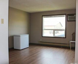 Photo 2: 102 Abbott Avenue in North Portal: Residential for sale : MLS®# SK868280