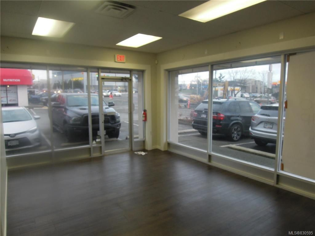 Main Photo: K 3388 Douglas St in : SW Rudd Park Commercial Lease for lease (Saanich West)  : MLS®# 830595