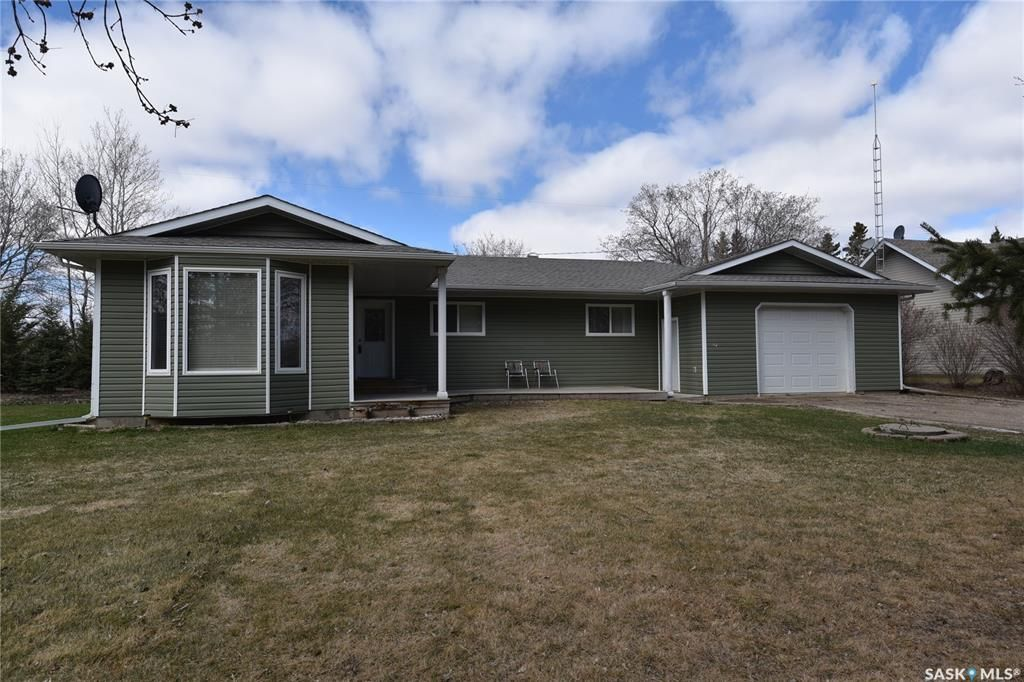 Main Photo: 112 1st Avenue East in Love: Residential for sale : MLS®# SK849423