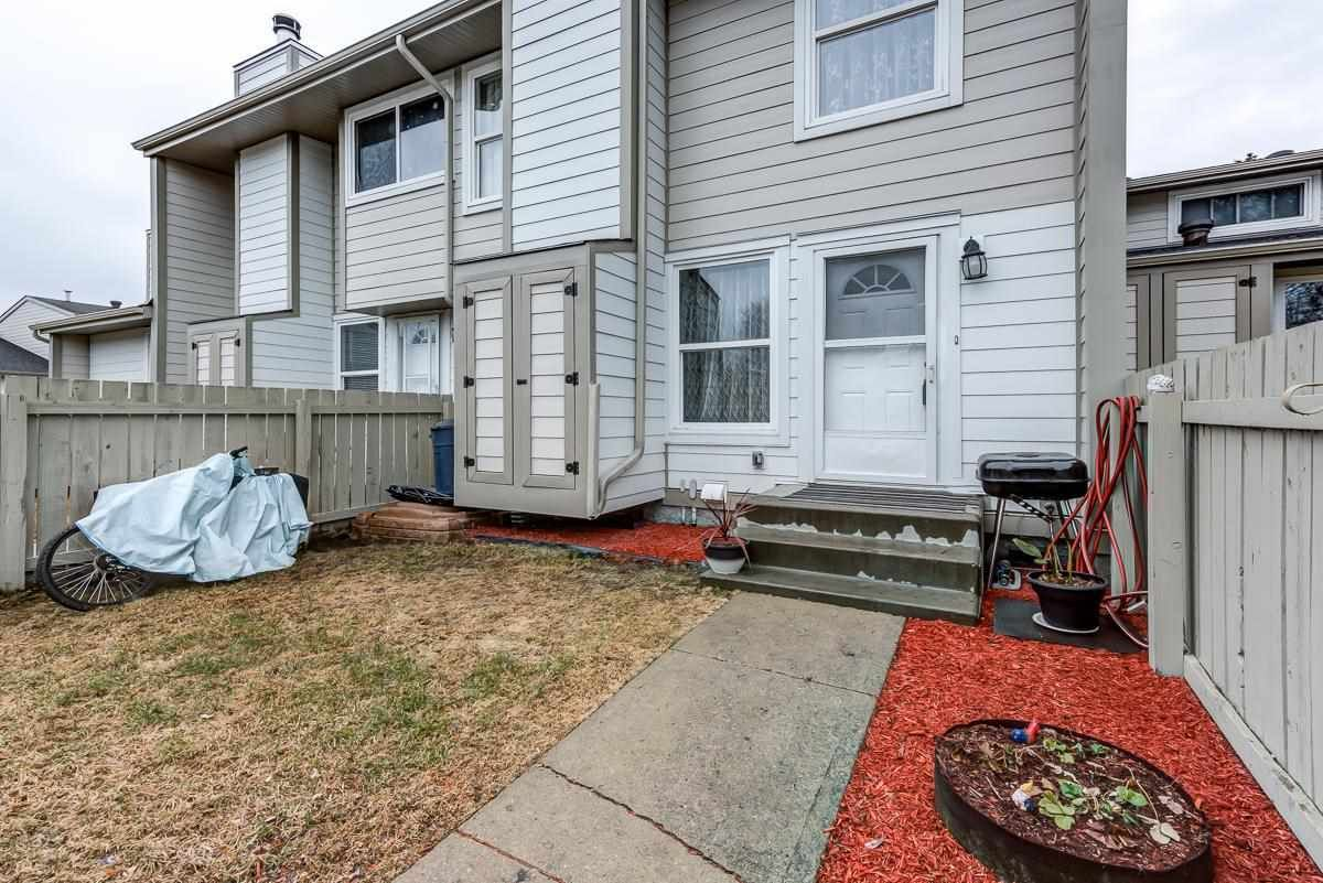 Main Photo: 1126 KNOTTWOOD Road E in Edmonton: Zone 29 Townhouse for sale : MLS®# E4241225