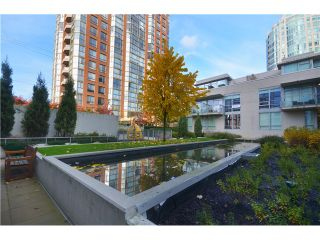 """Photo 9: # 704 1455 HOWE ST in Vancouver: Yaletown Condo for sale in """"POMARIA"""" (Vancouver West)  : MLS®# V1010474"""