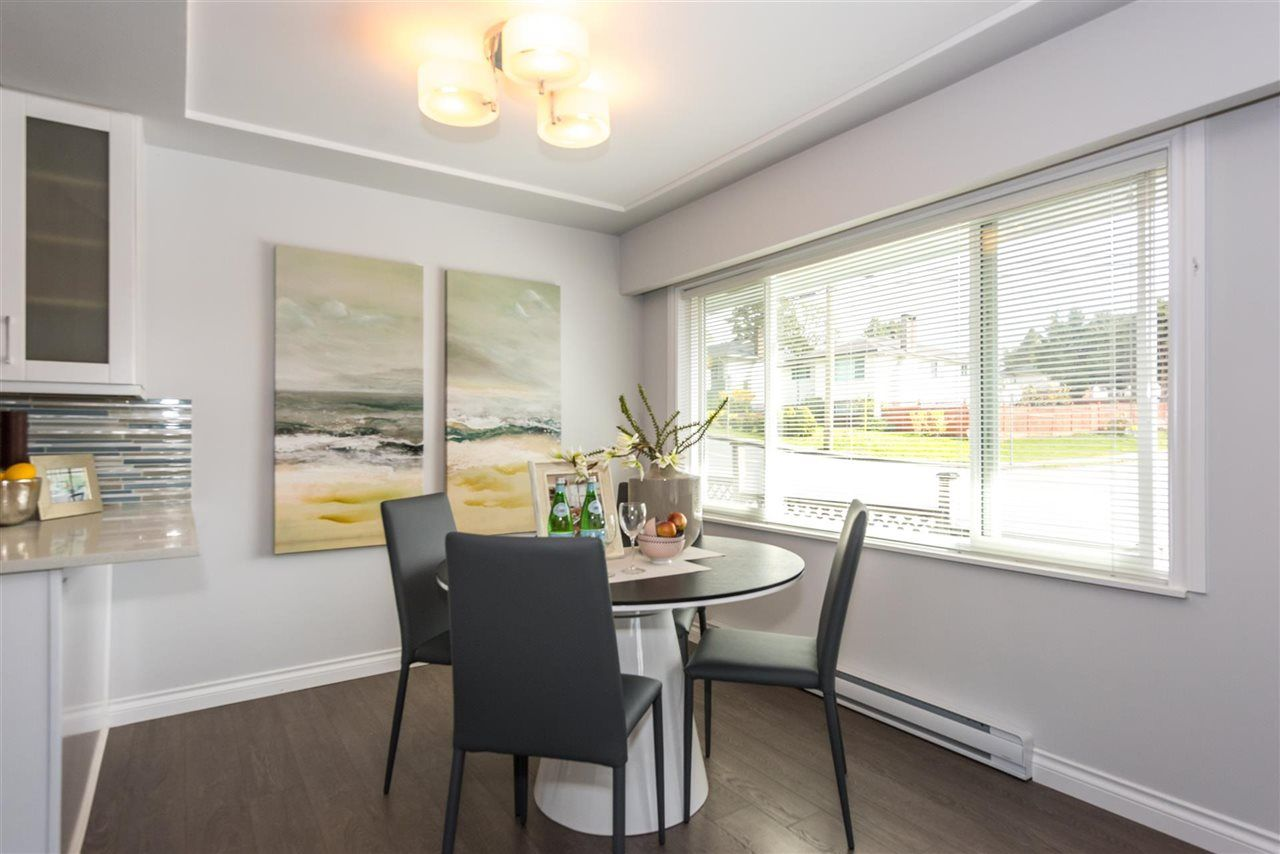 Photo 6: Photos: 5695 BROADWAY Street in Burnaby: Parkcrest House for sale (Burnaby North)  : MLS®# R2156672