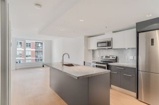 "Photo 4: 708 188 KEEFER Street in Vancouver: Downtown VE Condo for sale in ""188 KEEFER BY WESTBANK"" (Vancouver East)  : MLS®# R2212683"