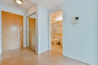 """Photo 30: 2002 1500 HORNBY Street in Vancouver: Yaletown Condo for sale in """"888 BEACH"""" (Vancouver West)  : MLS®# R2461920"""
