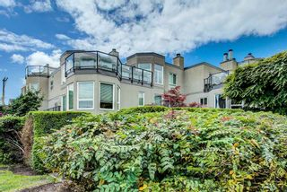 "Photo 1: 208 2110 CORNWALL Avenue in Vancouver: Kitsilano Condo for sale in ""Seagate Villa"" (Vancouver West)  : MLS®# R2515614"