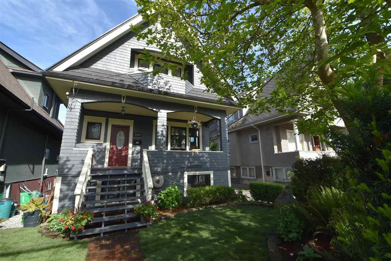 Main Photo: 1224 LAKEWOOD DRIVE in Vancouver: Grandview Woodland House for sale (Vancouver East)  : MLS®# R2582446