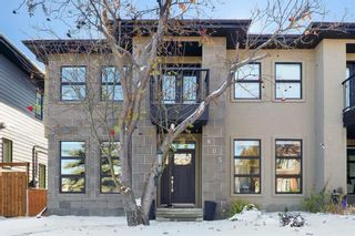 Photo 2: 805 23 Avenue NW in Calgary: Mount Pleasant Semi Detached for sale : MLS®# A1070023