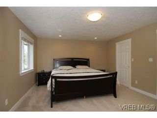 Photo 10: 3342 Sewell Rd in VICTORIA: Co Triangle House for sale (Colwood)  : MLS®# 550573