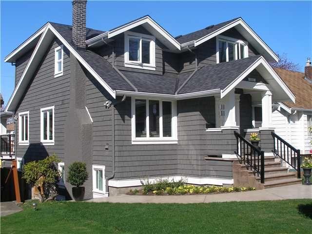 Main Photo: 2549 KITCHENER ST in Vancouver: Renfrew VE House for sale (Vancouver East)  : MLS®# V882119
