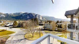 "Photo 1: 402 1203 PEMBERTON Avenue in Squamish: Downtown SQ Condo for sale in ""EAGLE GROVE"" : MLS®# R2553642"