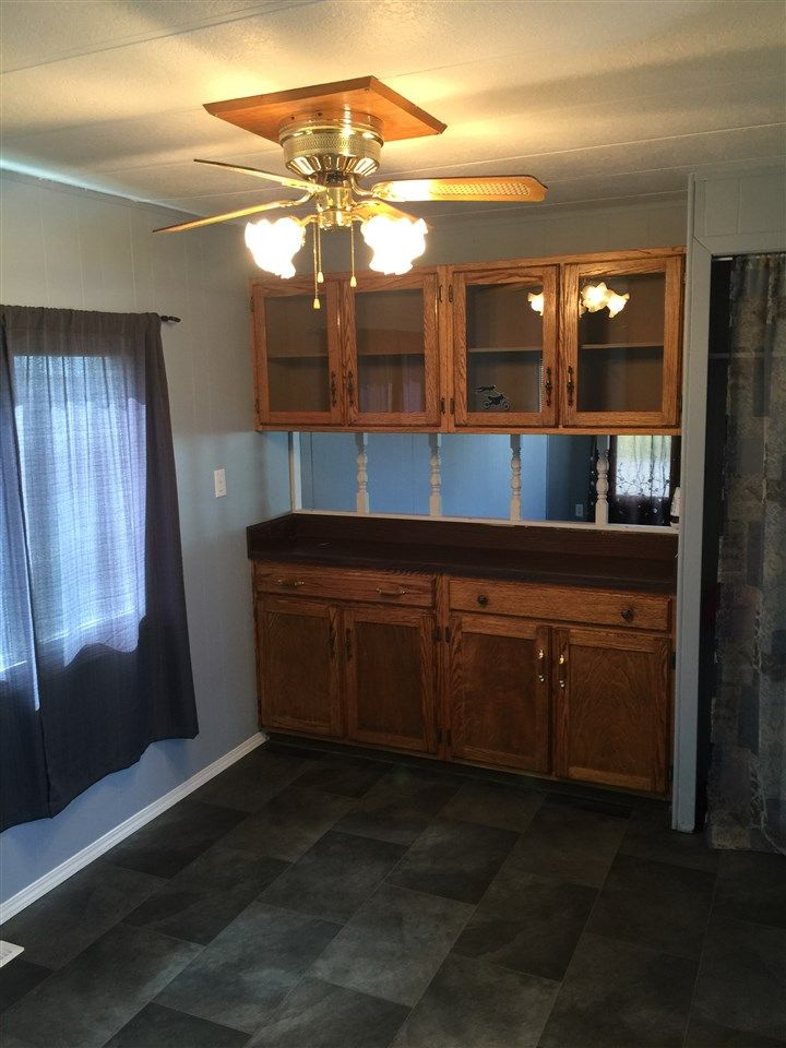 """Photo 6: Photos: 41 8420 ALASKA Road in Fort St. John: Fort St. John - City SE Manufactured Home for sale in """"PEACE COUNTRY MOBILE HOME PARK"""" (Fort St. John (Zone 60))  : MLS®# R2069792"""