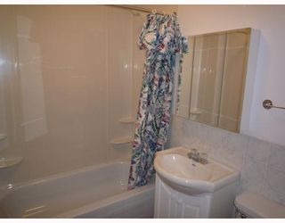 Photo 4: 491 MAGNUS Avenue in WINNIPEG: North End Residential for sale (North West Winnipeg)  : MLS®# 2913486