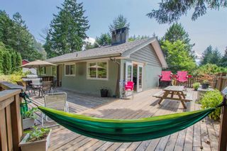 Photo 3: 1549 DEPOT Road in Squamish: Brackendale House for sale : MLS®# R2605847