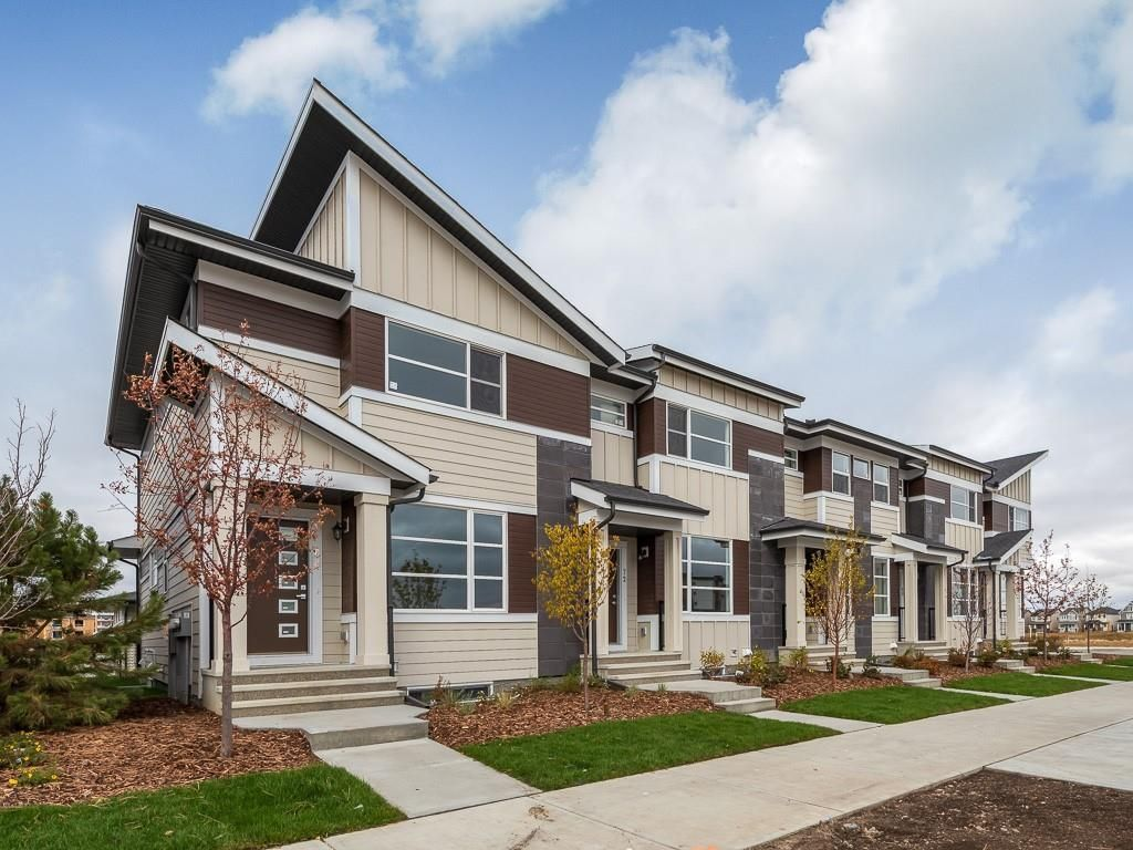 Main Photo: 40 SKYVIEW Parade NE in Calgary: Skyview Ranch Row/Townhouse for sale : MLS®# C4286431
