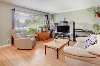Photo 4: 1321 Rosehill Drive NW in Calgary: Rosemont Semi Detached for sale : MLS®# A1112499