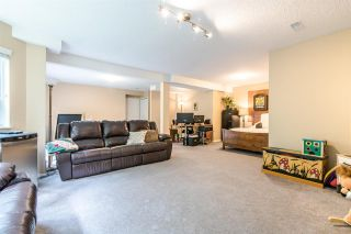 Photo 16: 11 9000 ASH GROVE CRESCENT in Burnaby: Forest Hills BN Townhouse for sale (Burnaby North)  : MLS®# R2401504