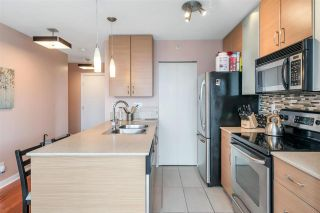 """Photo 6: 3407 909 MAINLAND Street in Vancouver: Yaletown Condo for sale in """"Yaletown Park II"""" (Vancouver West)  : MLS®# R2593394"""