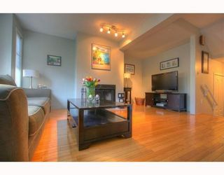 """Photo 4: 5 877 W 7TH Avenue in Vancouver: Fairview VW Townhouse for sale in """"EMERALD COURT"""" (Vancouver West)  : MLS®# v818670"""