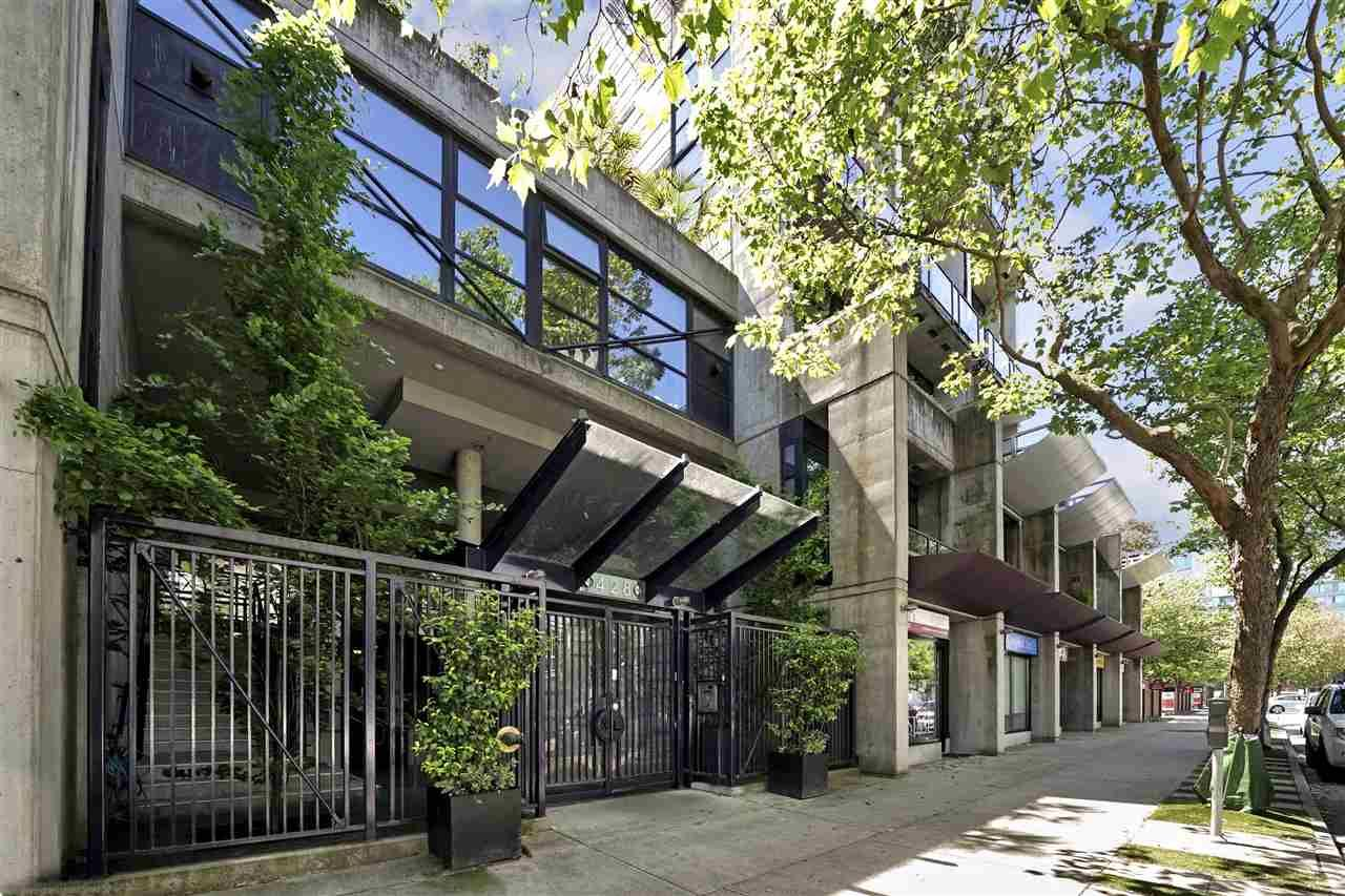 """Main Photo: 713 428 W 8TH Avenue in Vancouver: Mount Pleasant VW Condo for sale in """"XL LOFTS"""" (Vancouver West)  : MLS®# R2459692"""