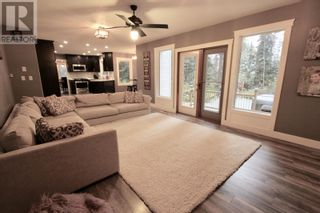 Photo 3: 8444 NORTH NECHAKO ROAD in Prince George: House for sale : MLS®# R2625643