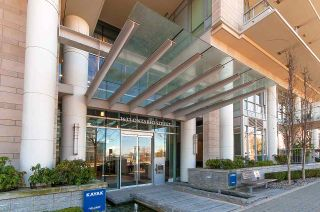 """Photo 14: 11 WALTER HARDWICK Avenue in Vancouver: False Creek Townhouse for sale in """"Kayak"""" (Vancouver West)  : MLS®# R2571642"""
