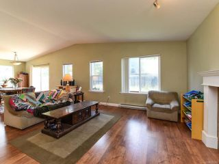 Photo 3: 3301 8TH STREET in CUMBERLAND: CV Cumberland House for sale (Comox Valley)  : MLS®# 790048