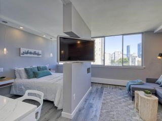 """Photo 7: 905 1250 BURNABY Street in Vancouver: West End VW Condo for sale in """"The Horizon"""" (Vancouver West)  : MLS®# R2559858"""
