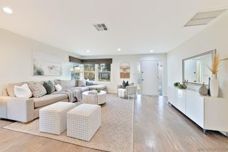 Photo 8: PACIFIC BEACH House for sale : 4 bedrooms : 1828 Law St in San Diego