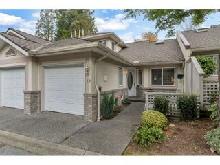 """Photo 1: 19 15099 28 Avenue in Surrey: Elgin Chantrell Townhouse for sale in """"The Gardens"""" (South Surrey White Rock)  : MLS®# R2507384"""