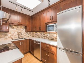 """Photo 14: 108 995 W 7TH Avenue in Vancouver: Fairview VW Townhouse for sale in """"OAKVIEW TOWNHOMES"""" (Vancouver West)  : MLS®# R2168359"""