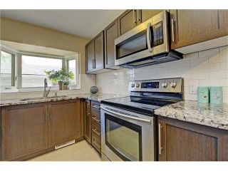 Photo 3: 9312 5 Street SE in Calgary: Acadia House for sale : MLS®# C4063076
