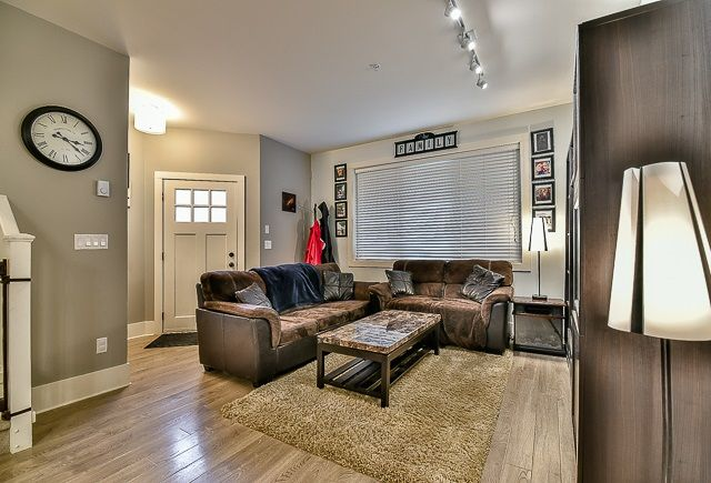 Photo 2: Photos: 23 12161 237 STREET in Maple Ridge: East Central Townhouse for sale : MLS®# R2043751