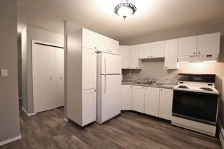 Photo 2: 5501 37 Street: Red Deer Multi Family for sale : MLS®# A1130594