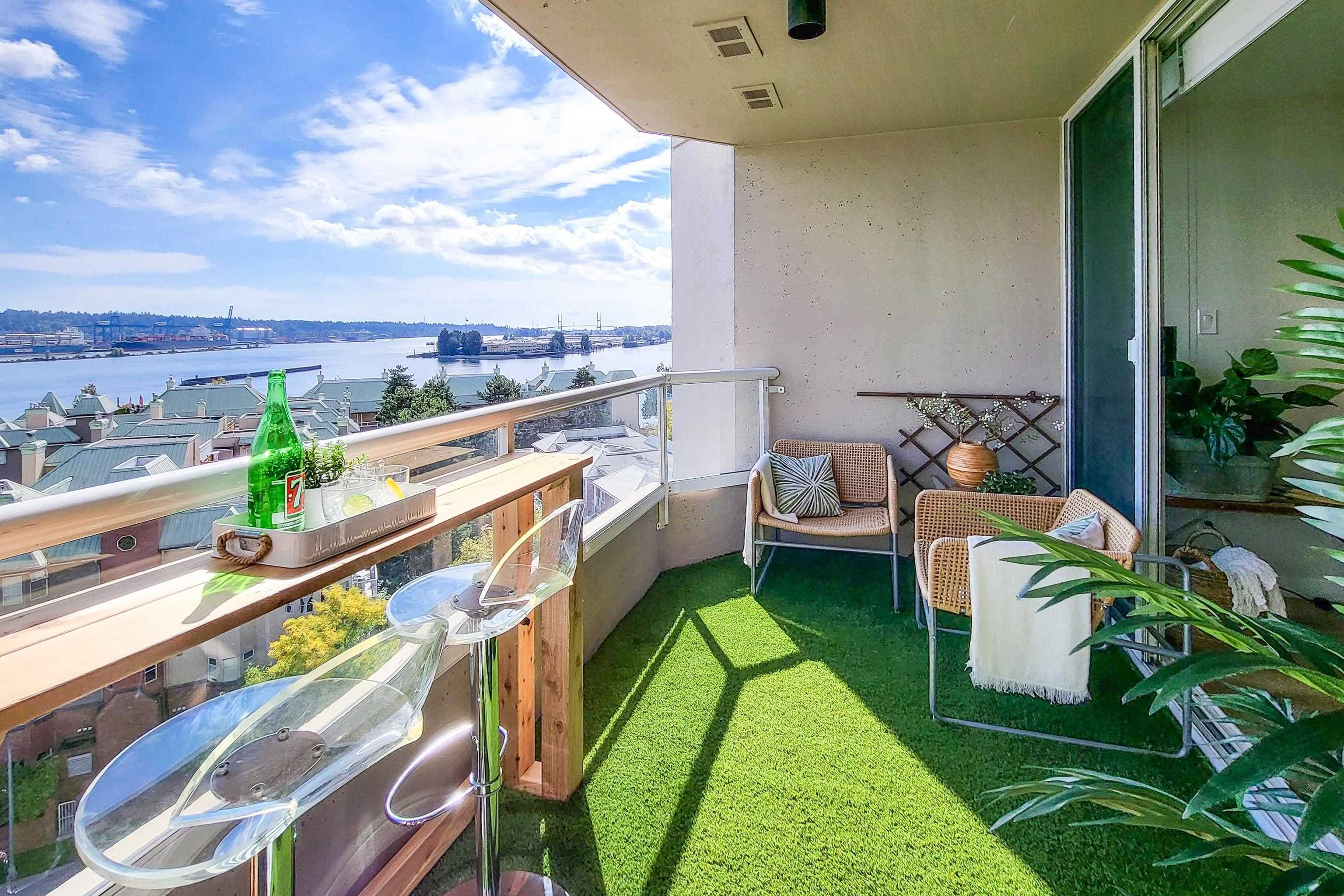 """Main Photo: 802 1045 QUAYSIDE Drive in New Westminster: Quay Condo for sale in """"Quayside Tower"""" : MLS®# R2617819"""