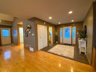 "Photo 2: 13545 SUNNYSIDE Drive: Charlie Lake House for sale in ""LAKESHORE"" (Fort St. John (Zone 60))  : MLS®# R2465835"