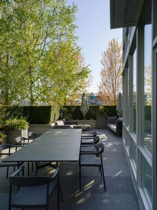 """Photo 15: TH103 633 KINGHORNE Mews in Vancouver: Yaletown Townhouse for sale in """"ICON II"""" (Vancouver West)  : MLS®# R2574326"""