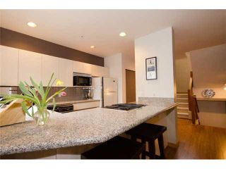 Photo 5: 2660 W 6TH Avenue in Vancouver: Kitsilano 1/2 Duplex for sale (Vancouver West)  : MLS®# V932617