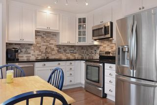 Photo 2: 116 9561 207th Street in Langley: Walnut Grove Townhouse for rent