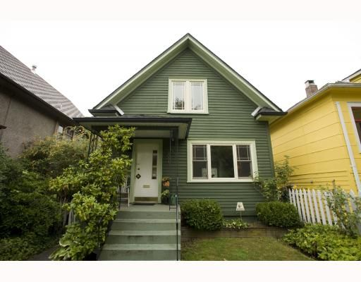 Main Photo: 2009 E 3RD Avenue in Vancouver: Grandview VE House for sale (Vancouver East)  : MLS®# V781782