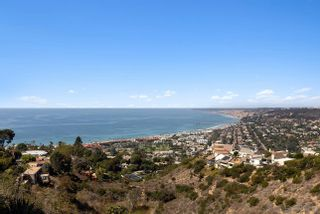 Photo 7: LA JOLLA House for sale : 5 bedrooms : 7447 Hillside