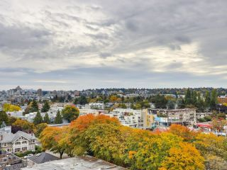 """Photo 14: 1203 2370 W 2ND Avenue in Vancouver: Kitsilano Condo for sale in """"Century House"""" (Vancouver West)  : MLS®# R2625457"""