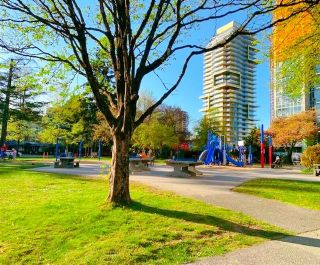 Photo 5: 2705 6333 SILVER Avenue in Burnaby: Metrotown Condo for sale (Burnaby South)  : MLS®# R2602783